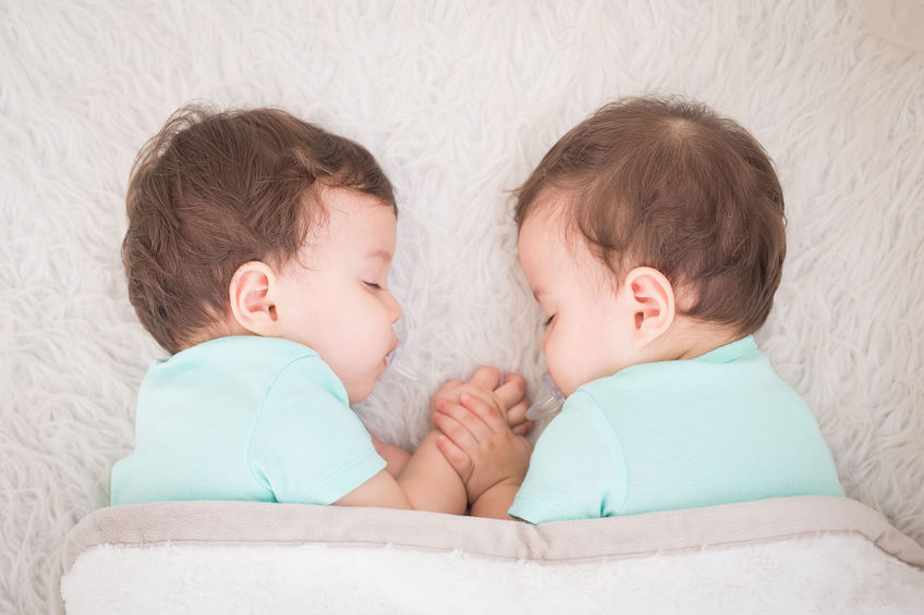 Mellizos y gemelos: proceso de construcción de identidad